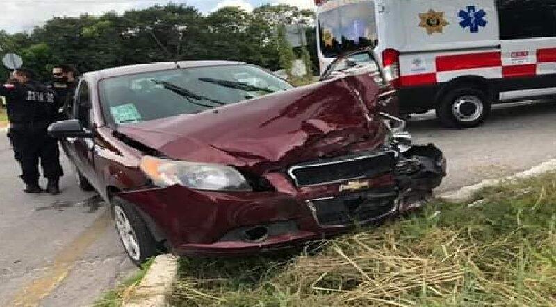 Otro accidente carretero en el peligroso crucero de la muerte en el entronque a Conkal
