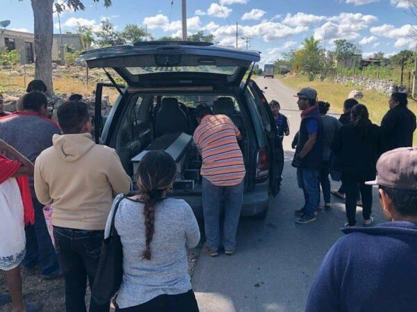 """""""Frente a su ataúd"""" familiares del joven muerto a manos de policías de Tecoh pidieron justicia y castigo para los responsables."""