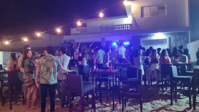 Suspenden fiesta con más de 70 jóvenes en Chicxulub Puerto