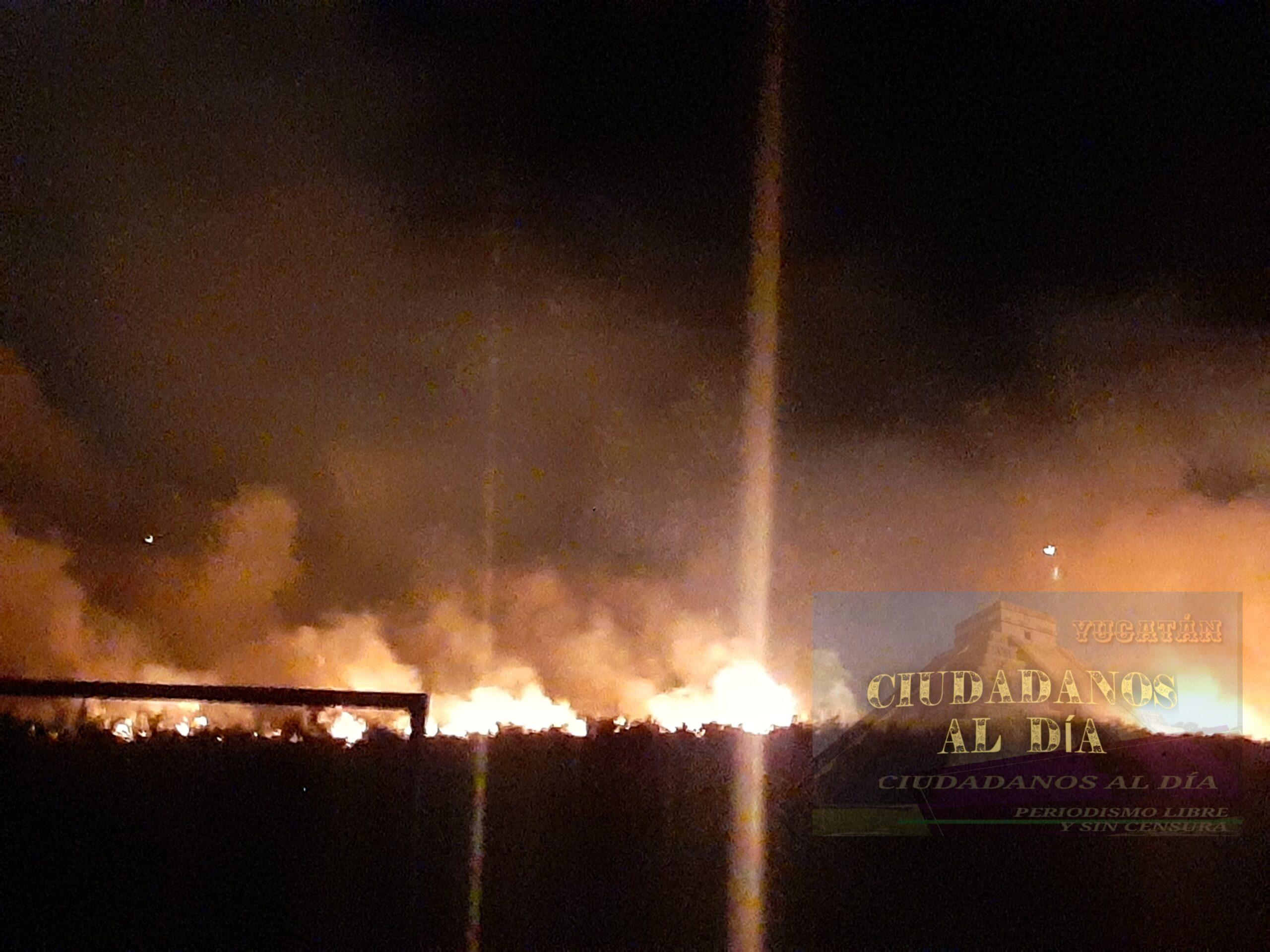 Se incendia misteriosamente el campo de fútbol a un costado de la iglesia de Dzidzantún.