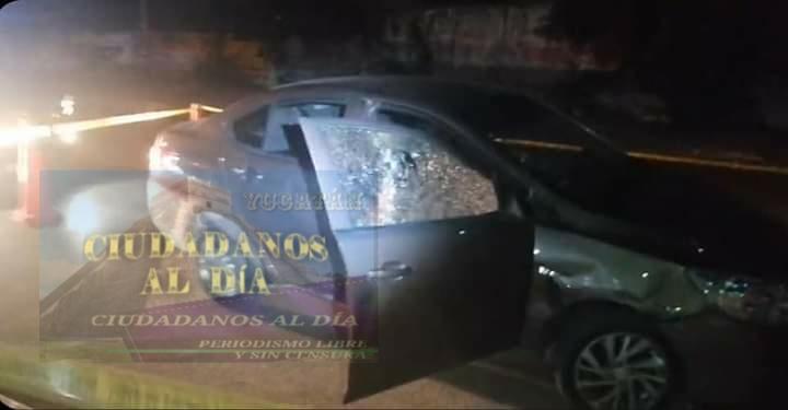 Motociclista balea un automóvil en la colonia Ávila Camacho