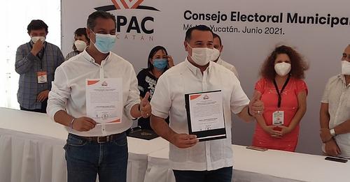 Renán Barrera arrasó en las elecciones 2021, recibió la constancia de mayoría