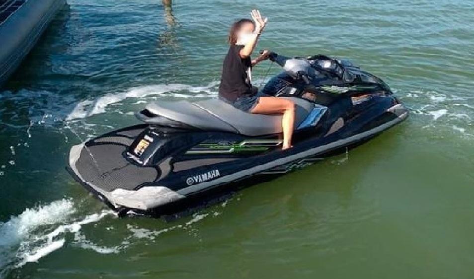 Agentes de la SSP recuperan moto acuática reportada como desaparecida.