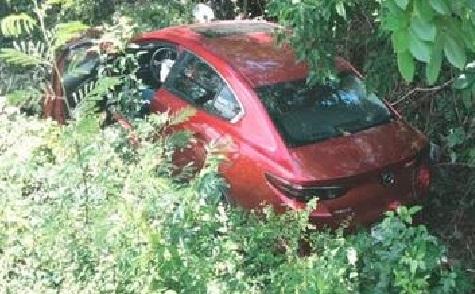 Viejito rápido y furioso se sale con su Mazda 3 en la carretera libre a Cancún