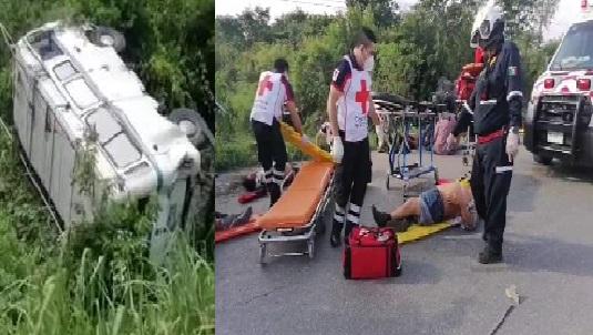 Tráilero mortal saco a una combi en Tahmek, después choco a un Urvan y mató a 7 personas.