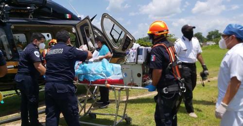 Trasladan a menor en un helicóptero, para que reciba atención medida inmediata en Mérida