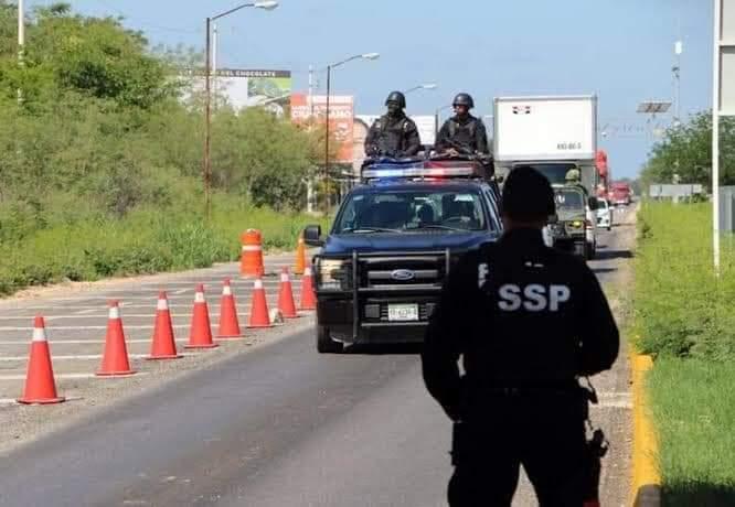 A mano armada le roban el vehículo a una mujer en el periférico de Mérida