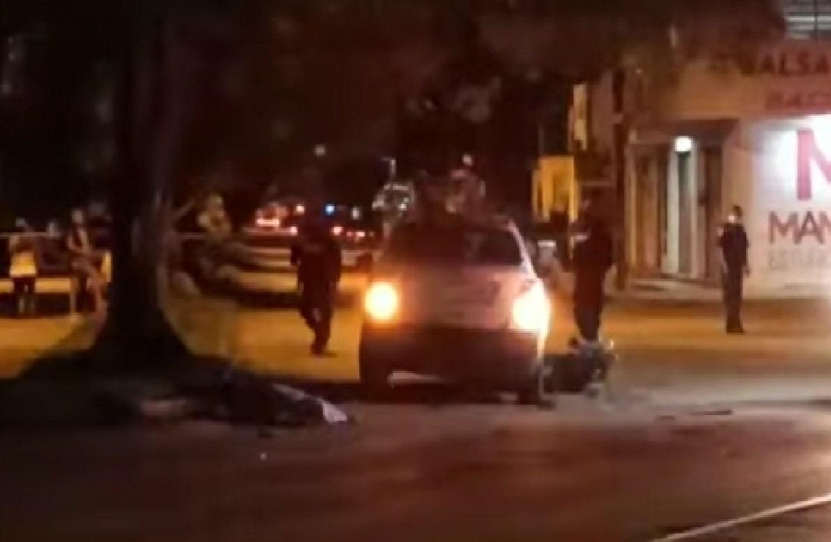 Un automovilista se vuela un alto y mata a un motociclista frente a la plaza el Patio en Mérida